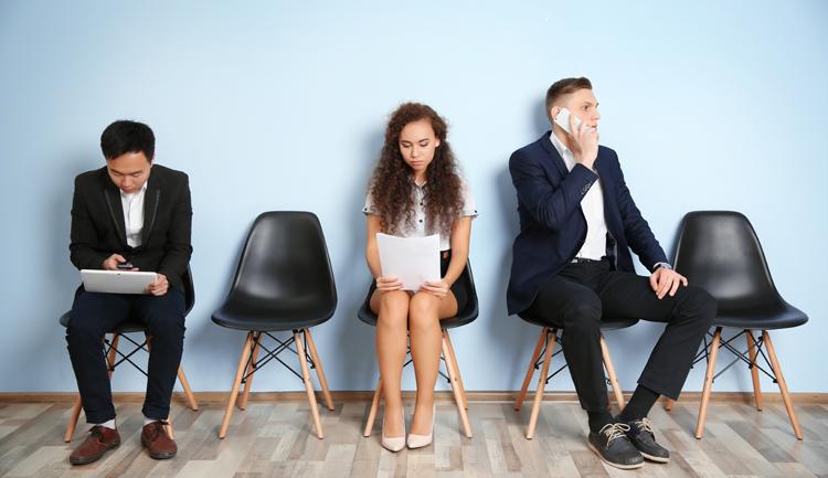 Częsta zmiana pracy = wysokie zarobki?