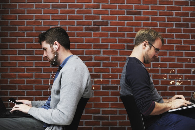 Jakie ogłoszenie o pracę przyciąga uwagę?