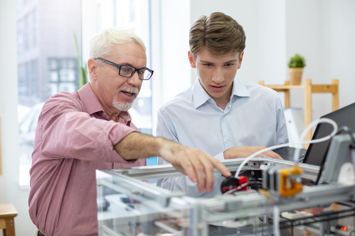 Będąc młodym inżynierem, czyli jak zacząć karierę w branżach technicznych