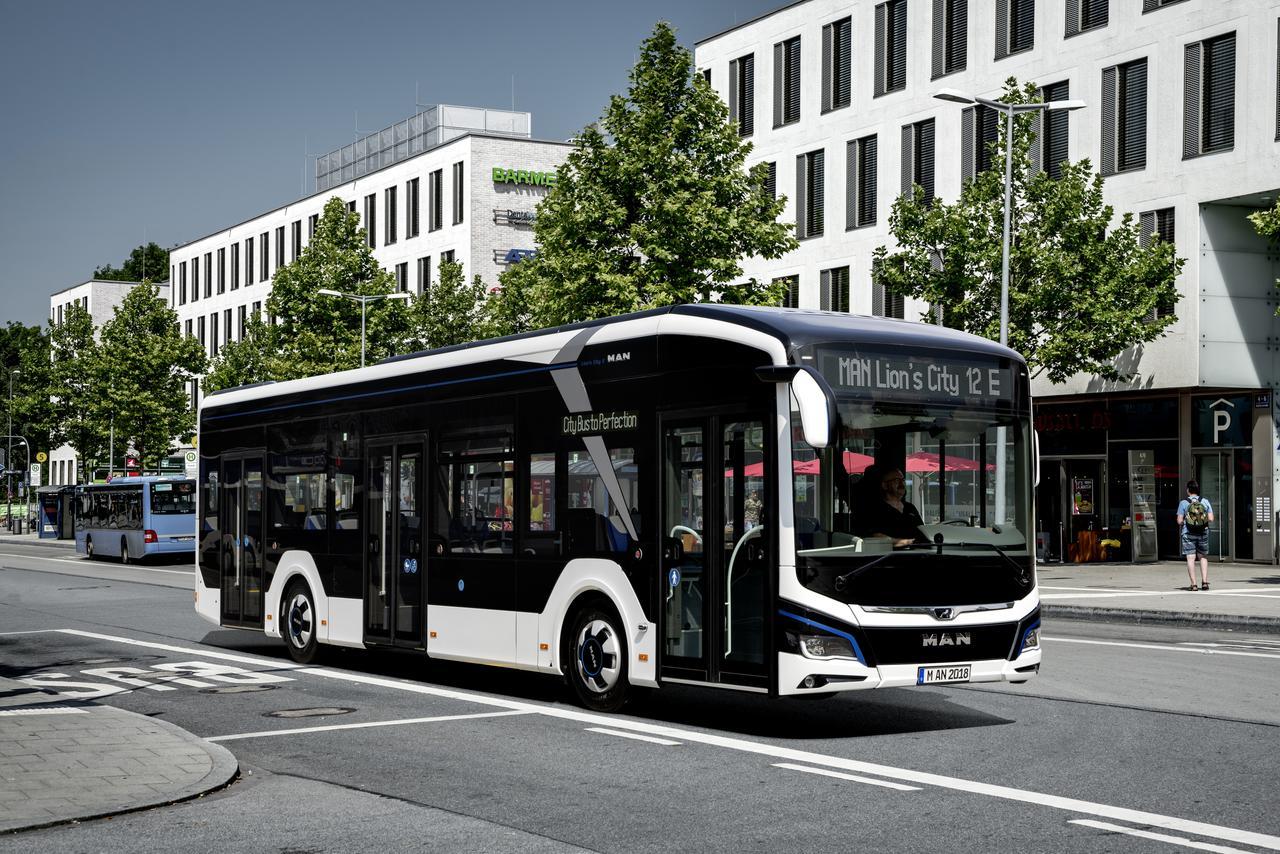 Uruchomienie seryjnej produkcji autobusu elektrycznego MAN Bus w Starachowicach