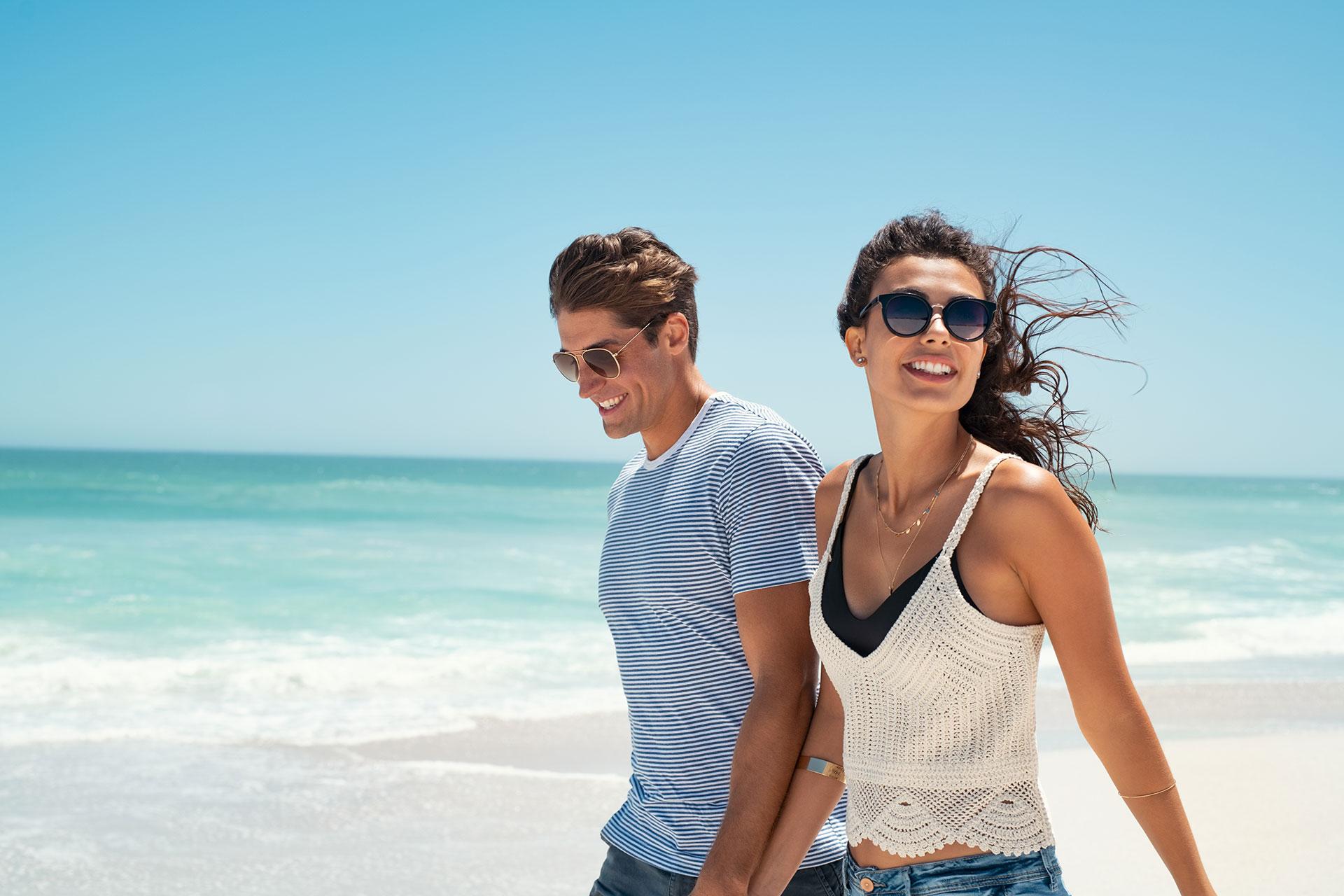 Oczy na wakacjach – jak skutecznie chronić wzrok latem?